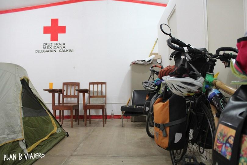 plan b viajero, comer, dormir, trabajar en bicicleta , cruz roja