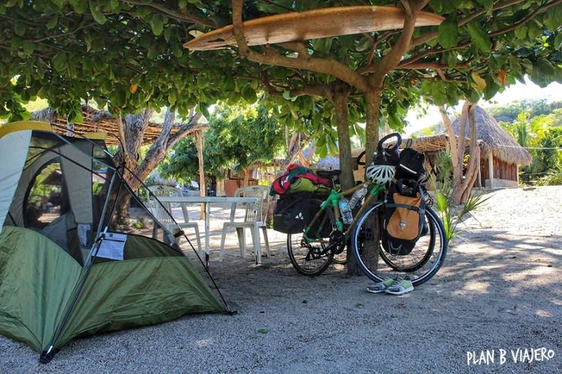 plan b viajero, comer, dormir, trabajar en bicicleta, viajar en bici, viajar en bici de bambu