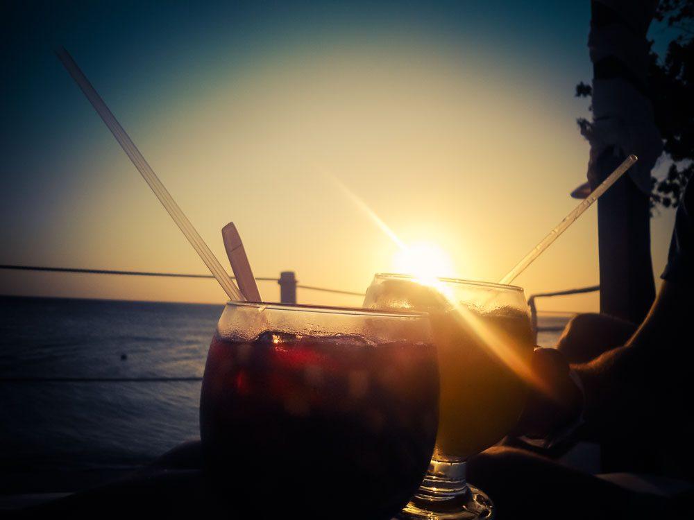 Getränke im Sonnenuntergang