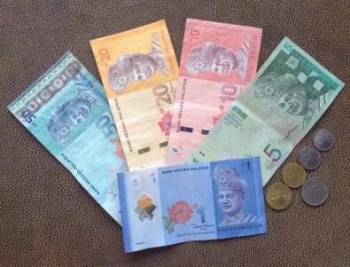 Měna Langkawi - bankovky a mince (nejčastěji budete používat 1, 5, 10 a 20 ringitové bankovky)