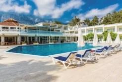 Čtyřhvězdičkový klidný La Hotel & Resort ya 9.980 Kč