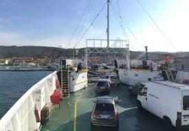Příjezd do Palau na trajektu z ostrova La Maddalena