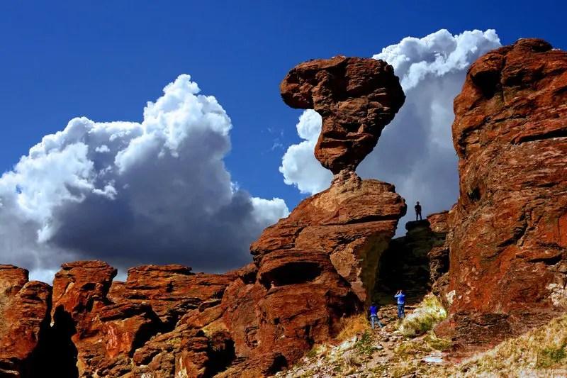 10 rocas en equilibrio permanente