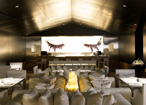 Katsuya, restaurante japonés diseñado por Philippe Starck.
