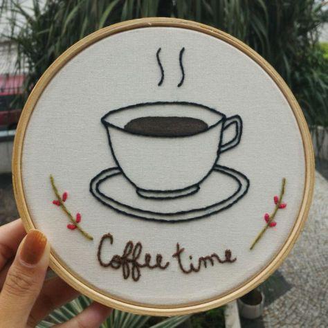 bordado moderno en bastidor coffe time