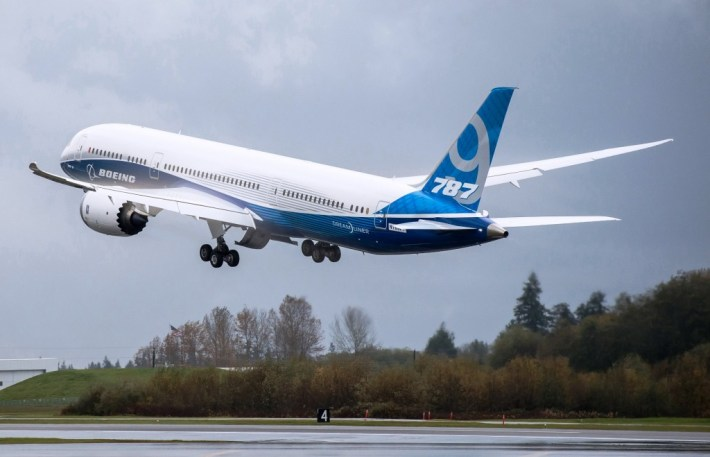 Second Boeing 787-9 Dreamliner take-off on first flight