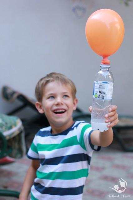 Experiment pentru copii bicarbonat si otet