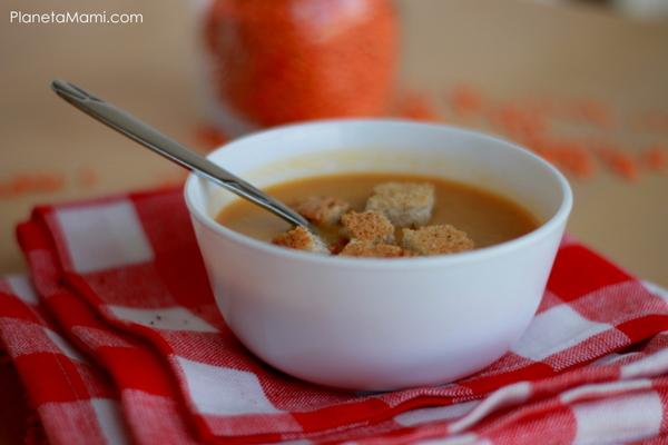 Supă crema de linte roșie