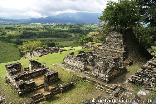 Tonin 225 Vestigios De La Cultura Maya