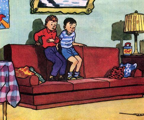 Вовка и Вадик забрались на диван