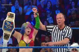 Asuka defiende con éxito su campeonato en SmackDown Live