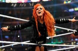 Becky Lynch comenta sobre su altercado con Charlotte en el Performance Center