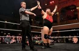 Dave Mastiff sigue con su invicto en NXT UK Takeover