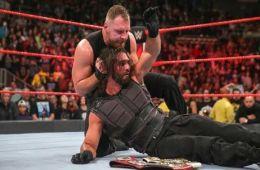 Dean ambrose y The Shield