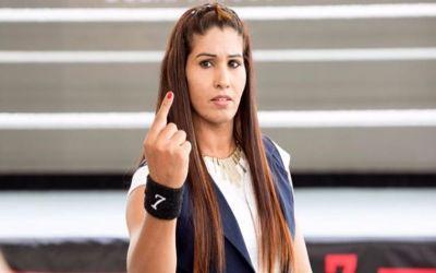 Kavita Devi firma por WWE