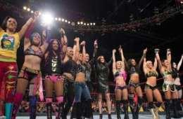 La división femenina de WWE vuelve a hacer historia de nuevo