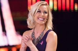 Renee Young revela cuántas veces Vince McMahon habló con ella durante RAW