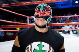 Rey Mysterio regresa a WWE en Royal Rumble