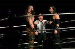 Combate entre Braun Strwoman y Roman Reigns ayer en Erie