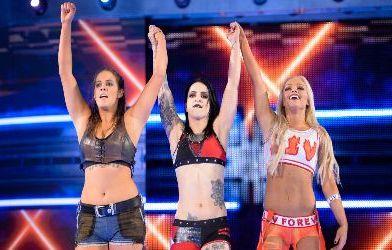 Liv Morgan, Ruby Riot y Sarah Logan debutan en Smackdown Live