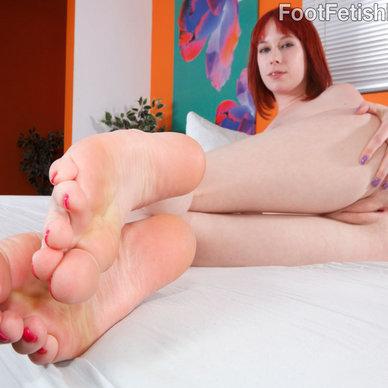 candid grandma feet