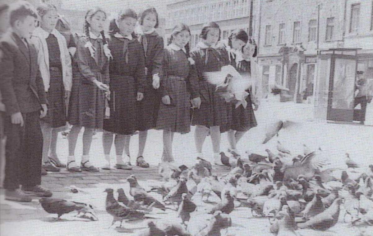 L'excursion à la ville de Wrocław, 1955 (les orphelins nord coréen)