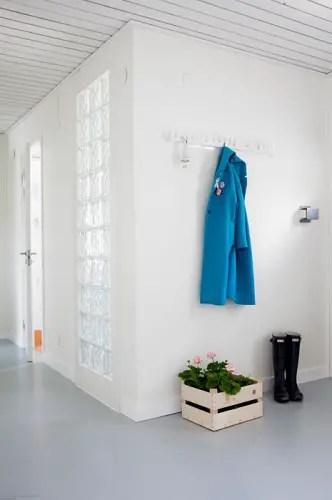 une maison blanche et grise en norv ge planete deco a homes world. Black Bedroom Furniture Sets. Home Design Ideas
