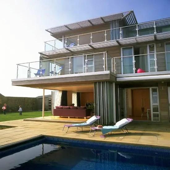 Une maison sur la plage de style californien planete for Maison style californien