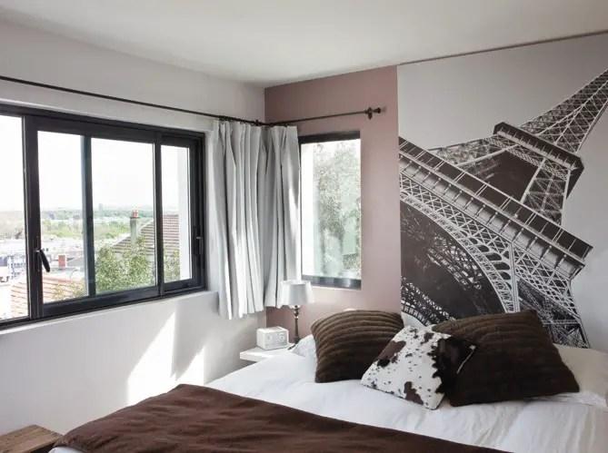 Code couleur violet dans une maison de banlieue planete for Window design normal