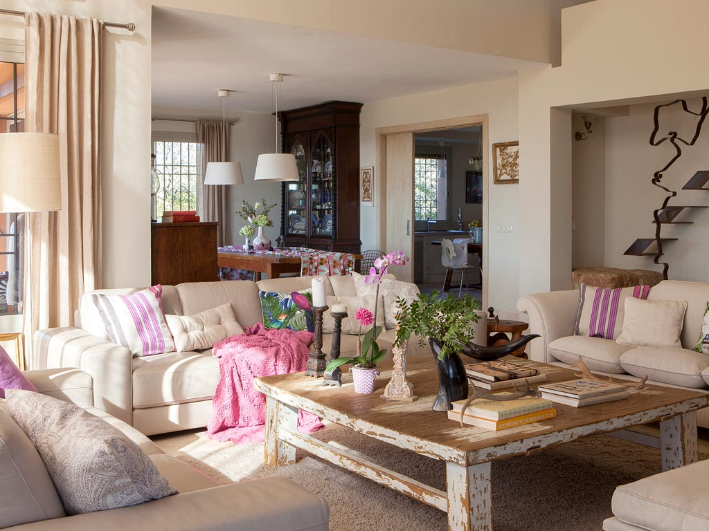 une maison chic et charme en espagne planete deco a. Black Bedroom Furniture Sets. Home Design Ideas