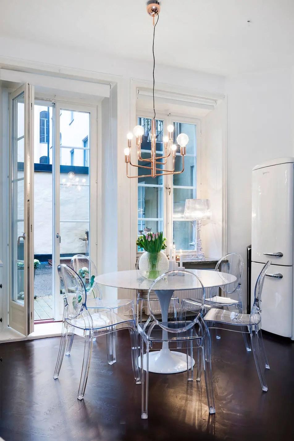 les petites surfaces du jour une terrasse en hiver planete deco a homes world. Black Bedroom Furniture Sets. Home Design Ideas
