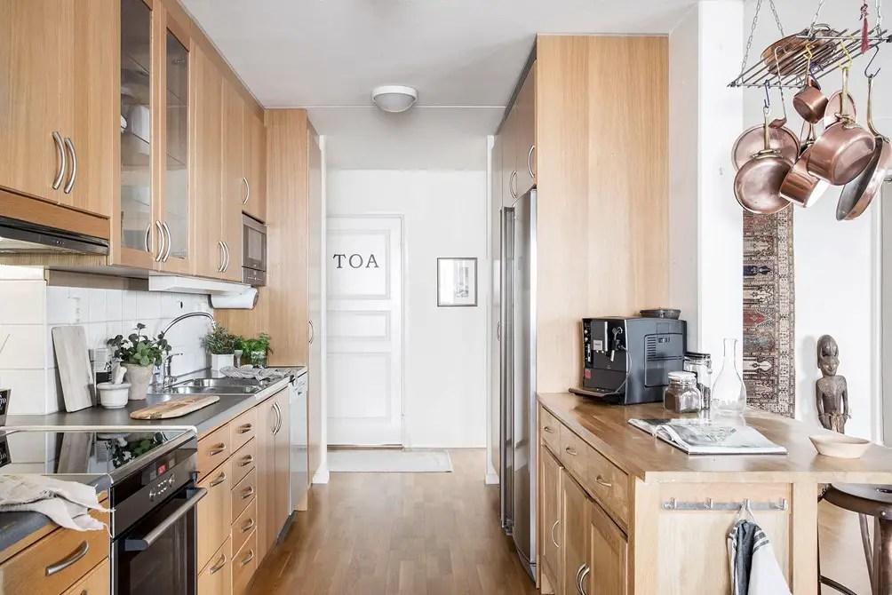 cabinet de curiosit planete deco a homes world. Black Bedroom Furniture Sets. Home Design Ideas