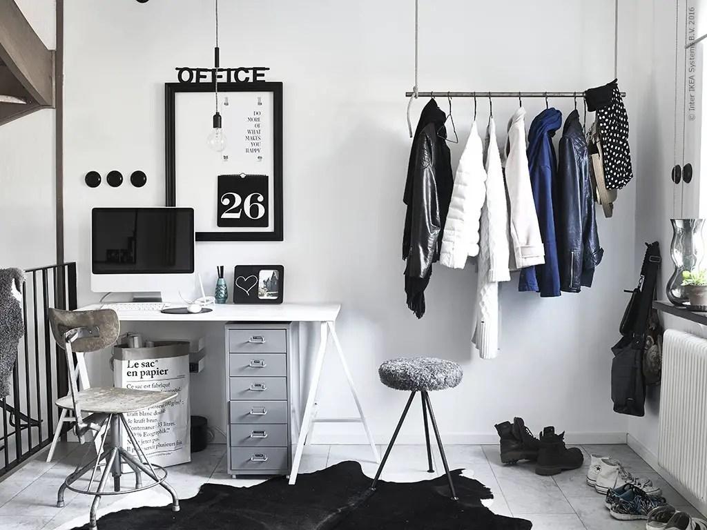 un bureau en noir et blanc planete deco a homes world. Black Bedroom Furniture Sets. Home Design Ideas