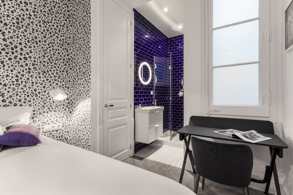 Comment concevoir une salle de bain pour vos invit s planete deco a homes world - Concevoir une salle de bain ...