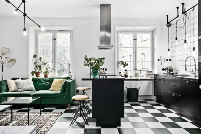 un appartement avec terrasse sous le signe des ann es 50 planete deco a homes world. Black Bedroom Furniture Sets. Home Design Ideas