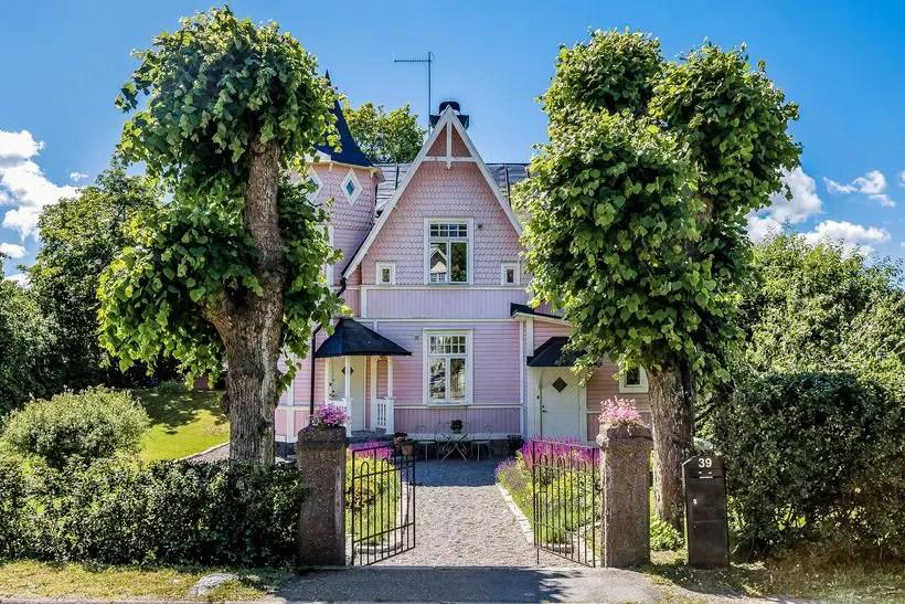Une maison su doise en couleur planete deco a homes for Nommer sa maison