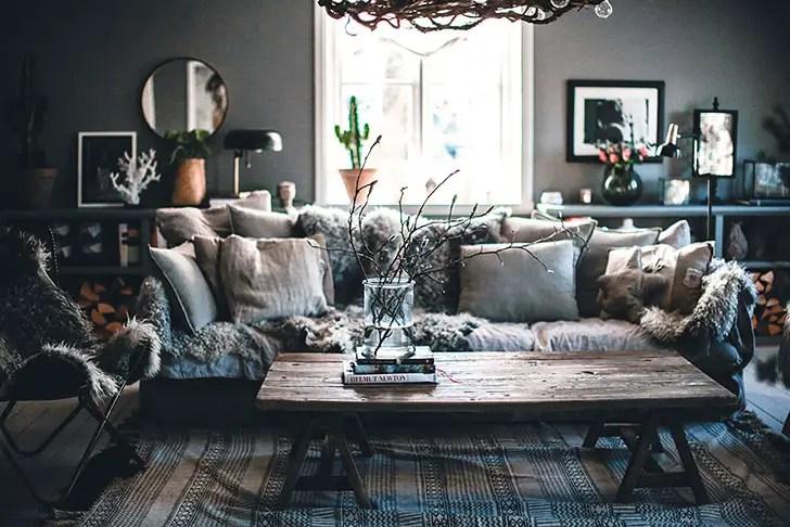 une maison sombre et lumineuse planete deco a homes world. Black Bedroom Furniture Sets. Home Design Ideas