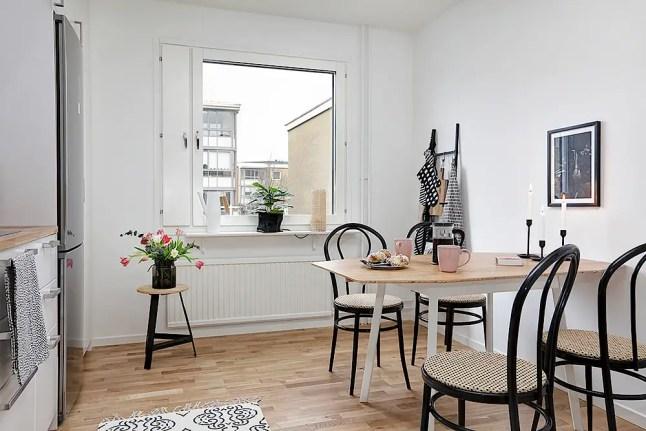 Un appartement f minin jusque sur le balcon planete deco for Deco appartement feminin