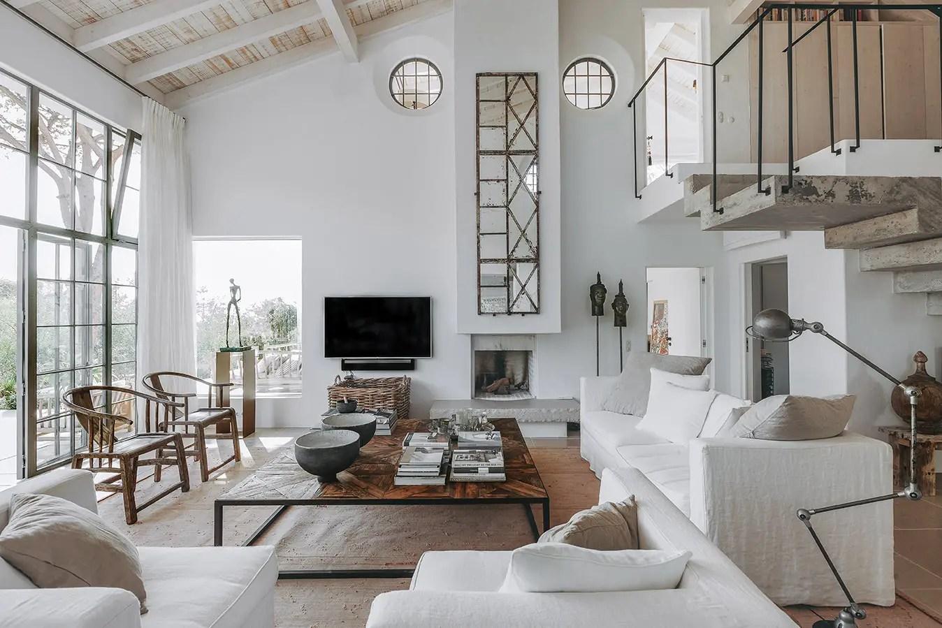 une maison portugaise r nov e en tons naturels planete deco a homes world. Black Bedroom Furniture Sets. Home Design Ideas