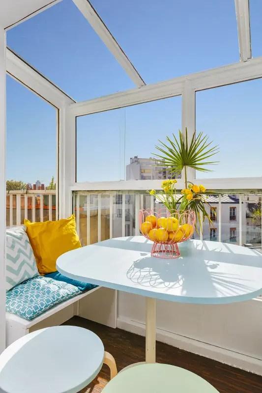 design contemporain pour un appartement parisien planete deco a homes world. Black Bedroom Furniture Sets. Home Design Ideas