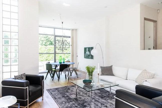 un appartement comme une maison d architecte planete. Black Bedroom Furniture Sets. Home Design Ideas