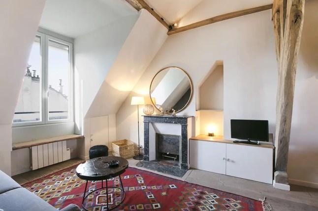 R novation d 39 un appartement parisien avec mezzanine for Appartement deco paris