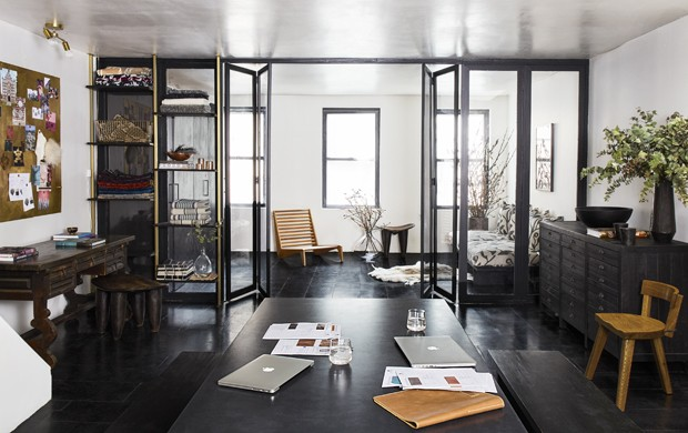 Design noir et blanc pour vivre et travailler