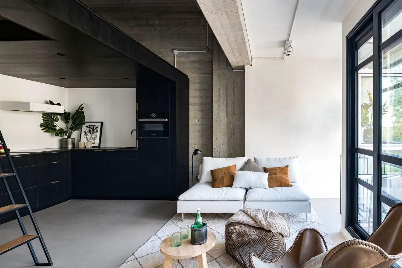 Un loft dans un ancien bureau à Amsterdam