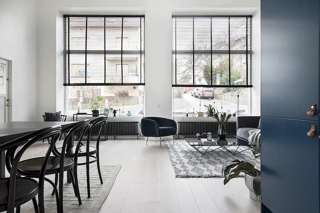 Un appartement familial en duplex avec terrasse et hauts plafonds