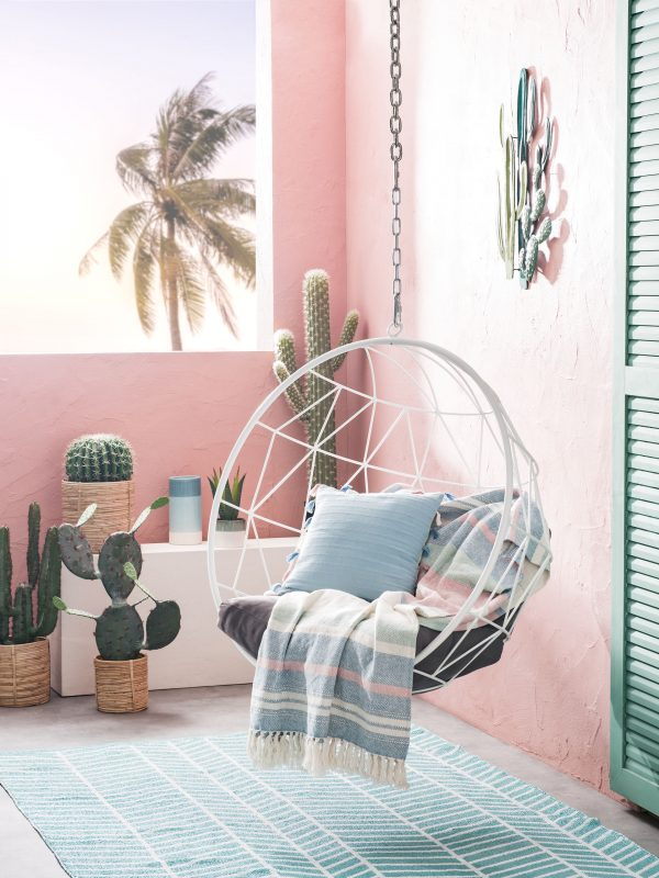 They are named Villa del Sol, Paper shop, Baïa Verde, Paradise, Palm Grove  and Summer smoothie and come in contrasting and joyful colours that bring  comfort