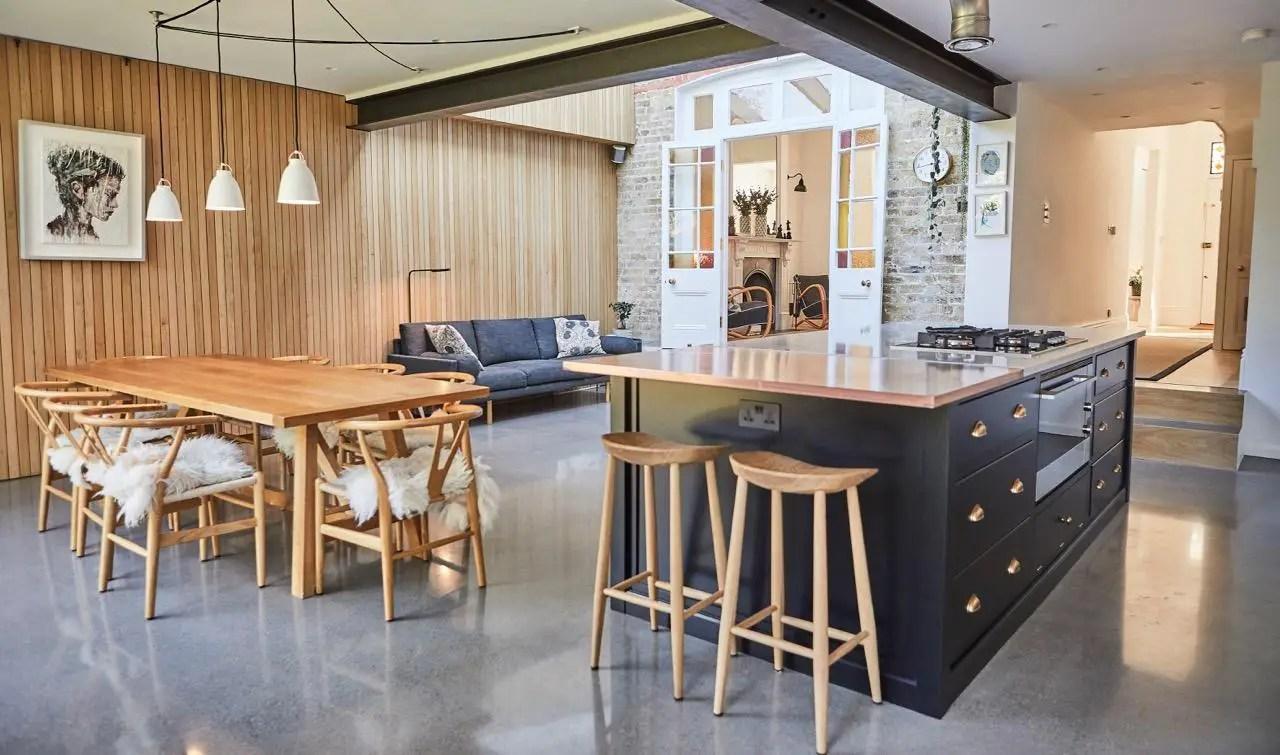 Une cuisine et une salle de bain modernisées dans une maison