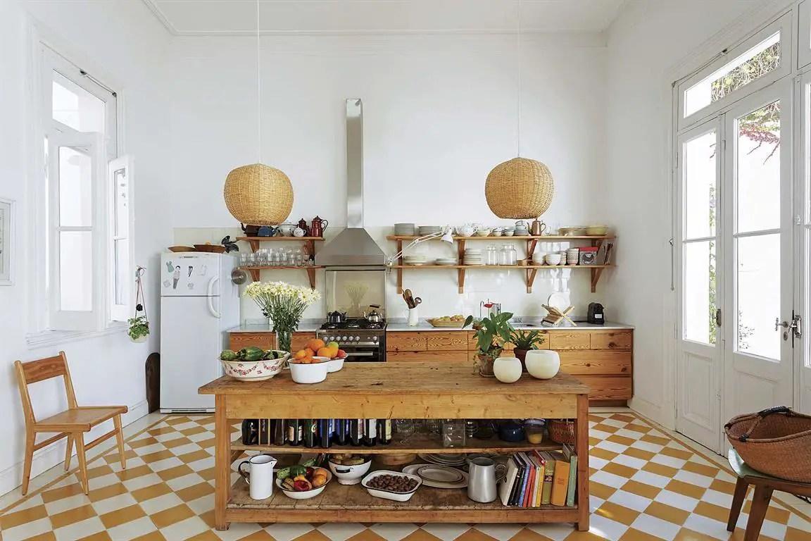 La cuisine de cette maison rénovée de 1920 est une réussite ...