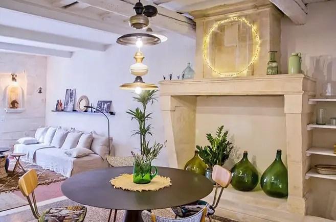 Cette maison à la décoration bohème chic est un havre de paix provençal