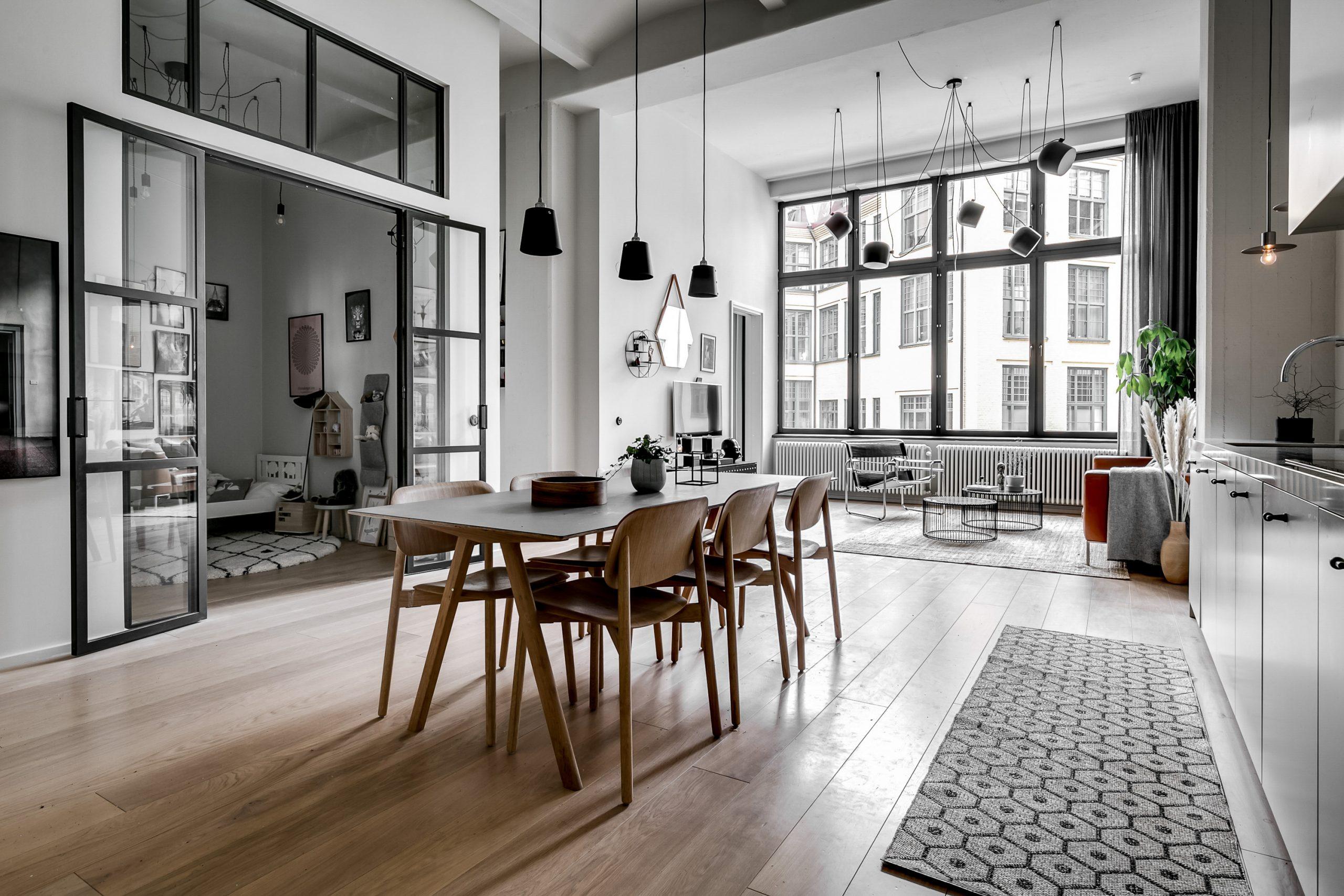Un appartement au design pur et aux soirées magiques